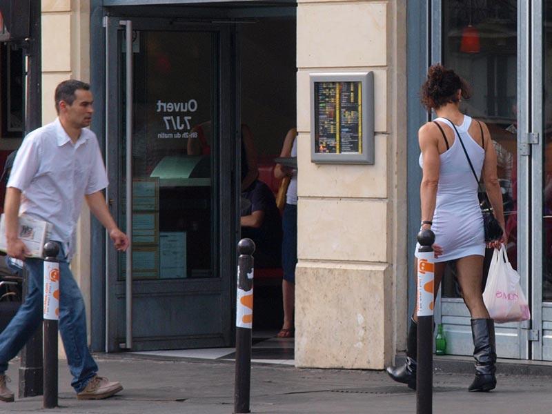 проститутка на площади пигаль